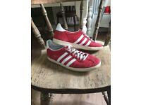 Uk 8 adidas gazelle og red