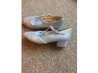 Beautiful girls Monsoon dress shoes size 2