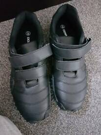 Mens Velcro trainers