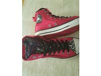 Girls hot pink converse shoes