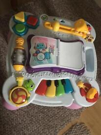 Baby musical and interactive table toy