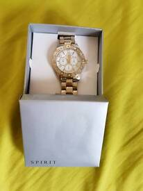 A BEAUTIFUL LADIES WRIST WATCH FOR SALE