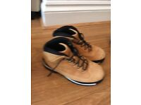 Boys Timberland Boots in size 4.