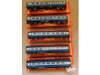 Five BR Inter-city coaches (Lot E, one of six train set lots: see also Lots A, B, C, D and CDE)