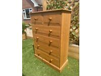 Solid chunky pine chest of drawers. Dovetail Joints. Possible delivery