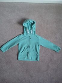 lovely green hooded top with fairy wings AGE 2-3