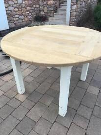 Shabby chic dining table. FREE for collection.