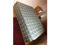 double Devan bed with mattress in mint mint condition