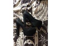 Various women's size 6 shoes