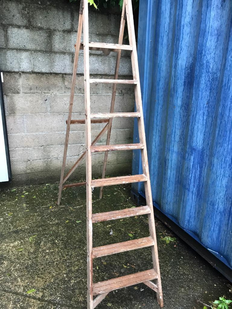 8 step wooden ladders FREE DELIVERY PLYMOUTH AREA