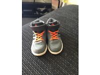 Adidas high tops size 9 in very good condition