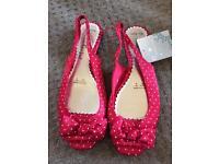 Size 6 peep toe shoes