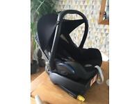 Maxi cosi car seat and easyfix base isofix fitting