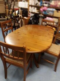 Ducal table and chairs