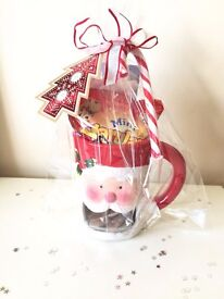 CHRISTMAS PORCELAIN MUG FILLED WITH GOODIES