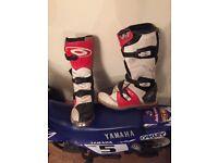 Motocross boots uk 4 child size