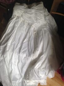 Brand new not altered wedding dress size 12 upwards
