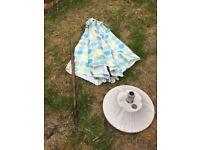 Colourful garden parasol excellent condition