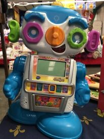 FOR SALE - GADGET THE LEARNING ROBOT - EXCELLENT CONDITION
