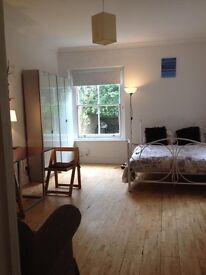 Fantastic Garden Studio Flat in the heart of Chiswick W4 2LT Hammersmith Kensington London