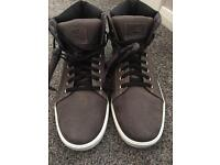 NEW men's Timberland trainer style boots