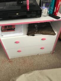 2 drawers and matching bed side table