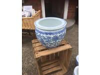 LARGE AND SMALL BLUE & WHITE PLANT POTS