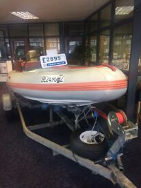 BARGIN FLATA CRAFT BOAT 2 STROKE OUTBOARD 40HP MARINER ENGINE WITH CHART PLOTER