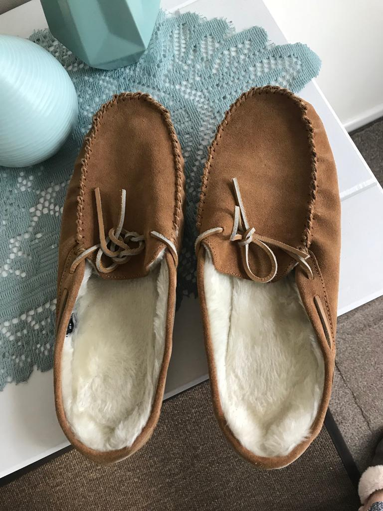 Men's size 10 moccasin slippers