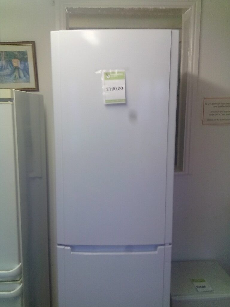 Hotpoint fridge freezer REF:GT404