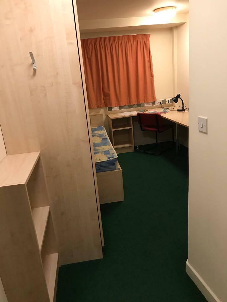 Student ensuite Room available - CLV Belgrave View
