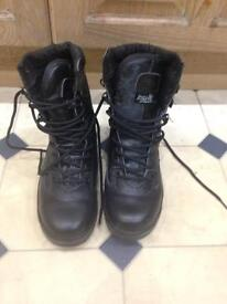 Army boots size 5