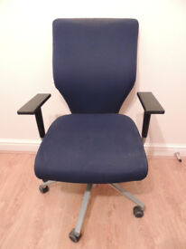 Orangebox Blue swivel chair adjusts present (Delivery)