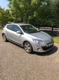 Silver Renault Megane for sale, excellent condition