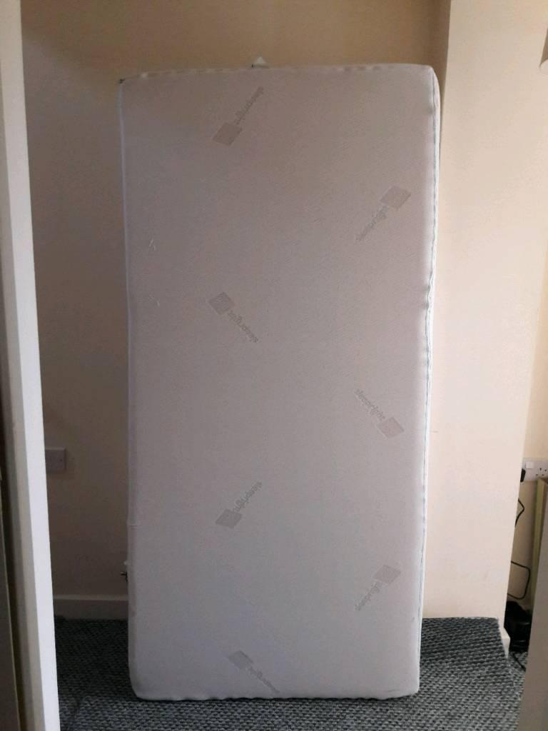 Memory foam single mattress