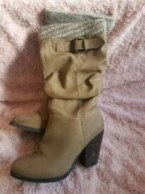 Long women's boots size 5