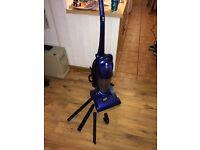 Carlton C16UVB09 bagless vacuum cleaner (perfect for carpet floors)