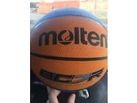 Molten bc7r basket ball in brand new condition