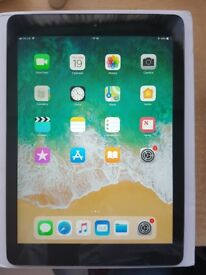 Apple ipad Air, 32GB, wifi and 4G Sim Unlocked, Boxed with all accessoires