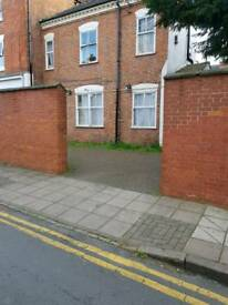 1 Bed Flat Next To London Road