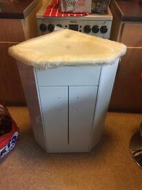 Corner sink and vanity unit new cost £299 take £60 brand new but look at pics