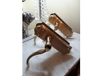 INTERIOR DOOR HANDLES - AS NEW - PAIR OF GOOD QUALITY LEVER LATCH SATIN BRASS