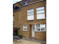 IMMEDIATELY available Docklands E14 ¦ 2 LARGE double bedrooms ¦ NEWLY REFURBISHED ¦ WITH A GARDEN
