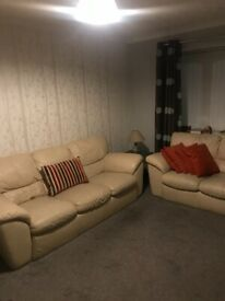 Double room in a two bedroom flat