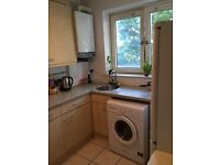 High standard double room BETHNAL GREEN 5min walk Central Line station. All bills included