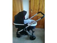 Chicco urban 3 in 1 travel system. pram carseat