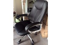 Staples Executive chair, Fully bonded leather! Original price about £170.00 Excellent Condition!
