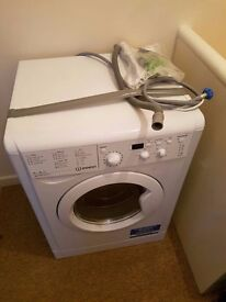 Indesit Washer/Dryer - LIKE NEW - Collection only