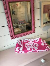 Pretty damask print pink and white double quilt and two pillowcases set