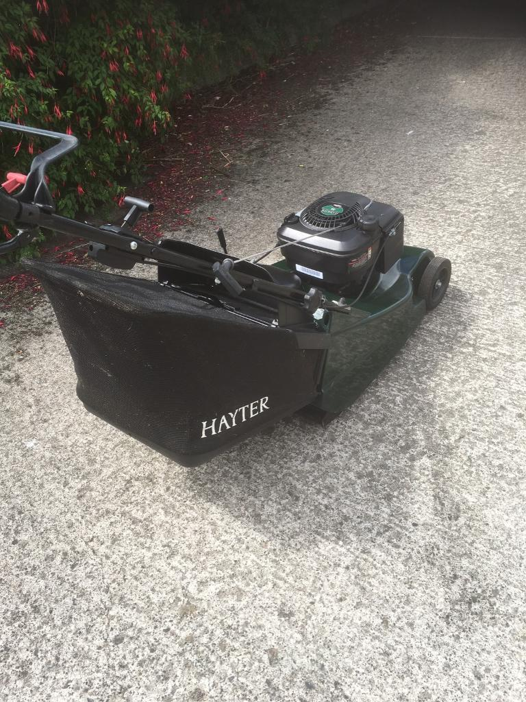 """Hayter lawnmowerin Portadown, County ArmaghGumtree - Hayter harrier 48 19"""" cutRollerVariable speedMint condition Everything 100%Just had full serviceRrp £900Bargain at £450 OnoFirst to see will buy"""